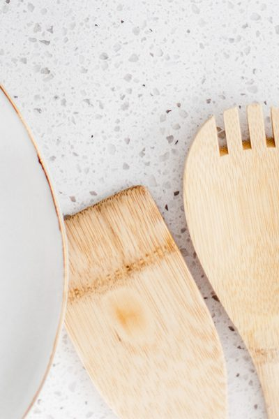 Are you organizing your kitchen? The best place to start is with the kitchen cabinets! Here are 10 easy tips for how to organize your kitchen cabinets.