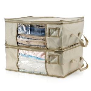 Are out of season blankets and clothes taking up valuable storage space in your closet? Get organized with the Clutter Keeper® Deluxe Storage Bag Organizer. #closetorganization #organizing #homeorganization #storagebag