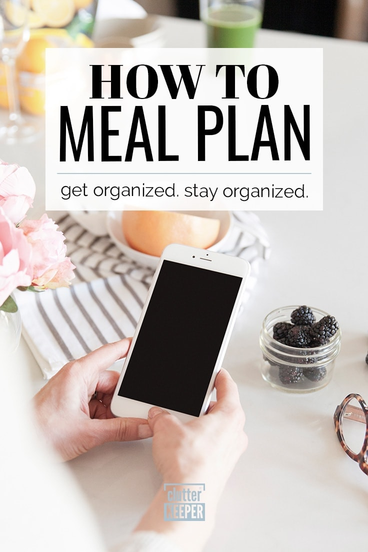 Learn how to meal plan weekly and make your life easier in this helpful article for beginners and long time planners! Find fun ways to organize your family recipes and master the art of grocery shopping. #mealplanning #frugaltips #clutterkeeper