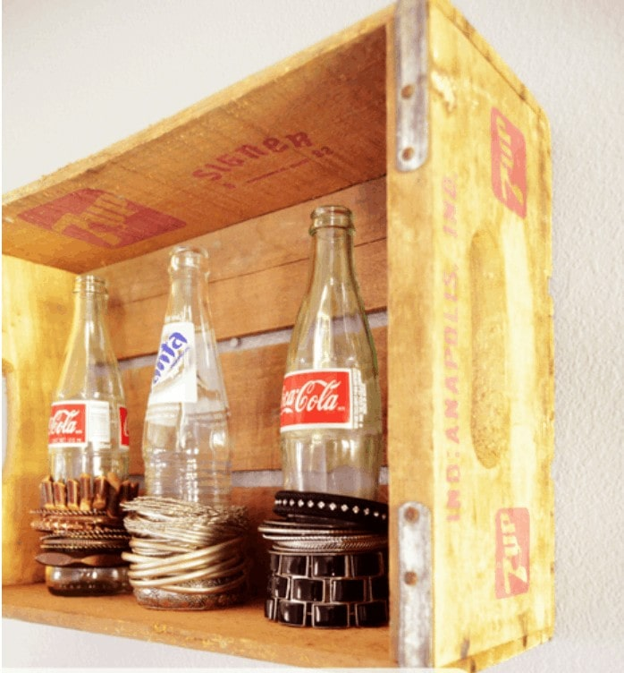 Use old soda bottles to store bracelets - jewelry storage hack