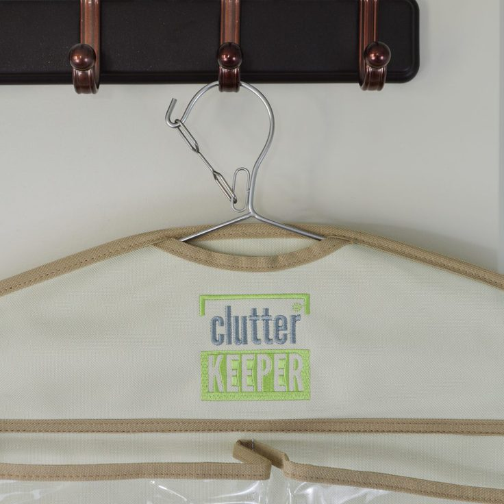 Close up of the lock safety mechanism on the top of a Clutter Keeper® hanging organizer
