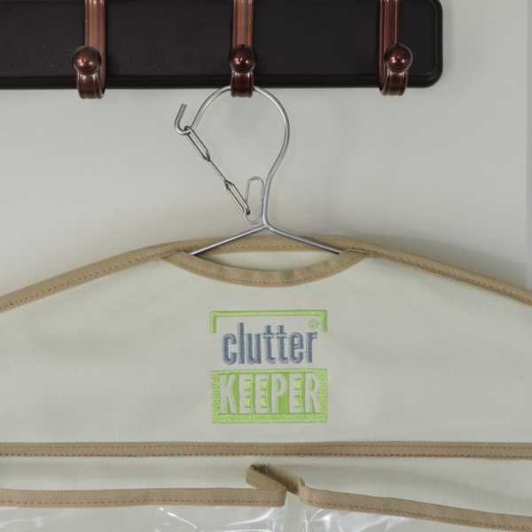 Close up of the lock safety mechanism on the top of a Clutter Keeper hanging organizer