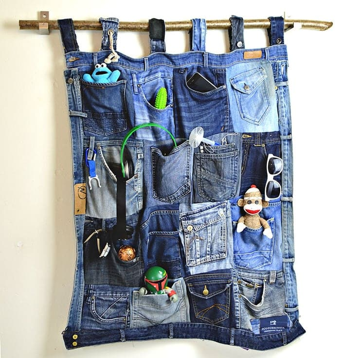 DIY hanging organizer made out of old jeans